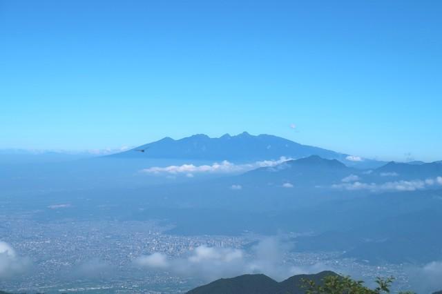 鬼ヶ岳の山頂からの八ヶ岳景色