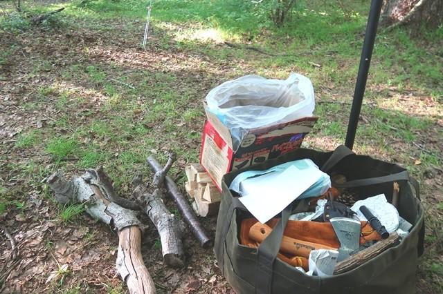 キャンプの燃料木材
