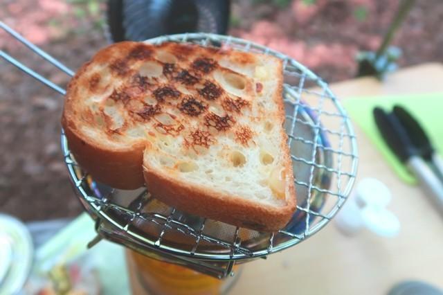 ミニロースターでパンを焼いた