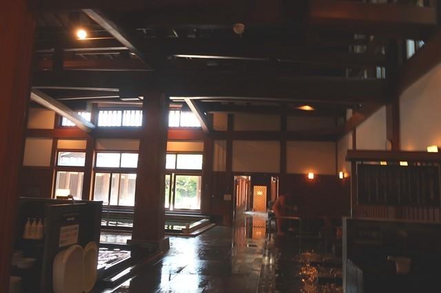 ふじやま温泉の浴槽内部