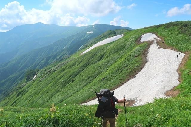 晴天の飯豊連峰登山