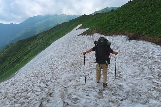 御手洗ノ池周辺の雪渓