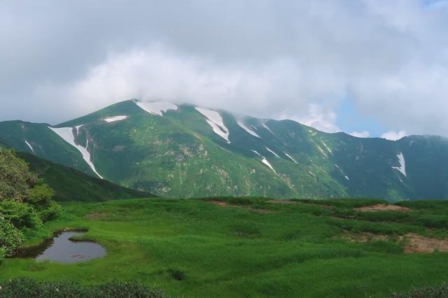 大日岳と池塘のコラボレーション