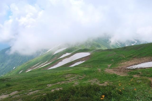 大日岳への登山開始