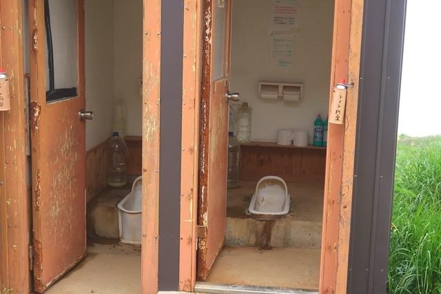 御西小屋の野外トイレ詳細