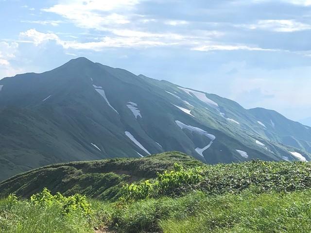 御西小屋からみる飯豊連峰最高峰大日岳