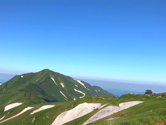大日岳と御西小屋遠望