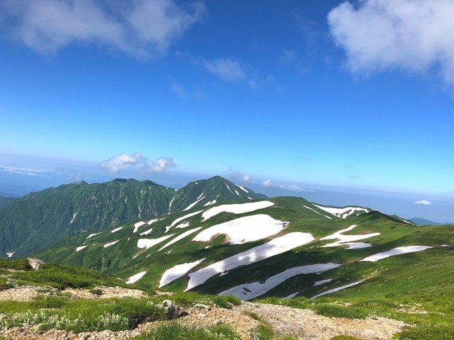飯豊山キャン場からの風景