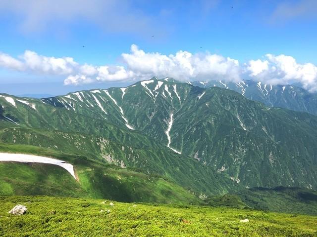 ダイグラ尾根から見る朳差岳方面景色