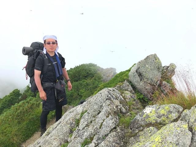 宝珠山の山頂手前の岩峰