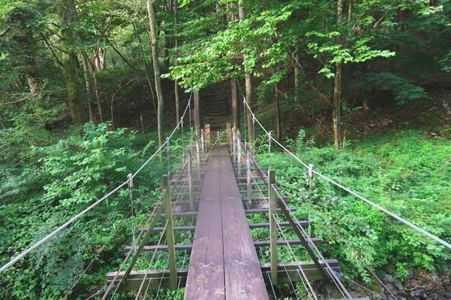 根原の吊橋から毛無山へのルート