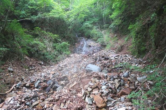 地蔵峠ルートの水場