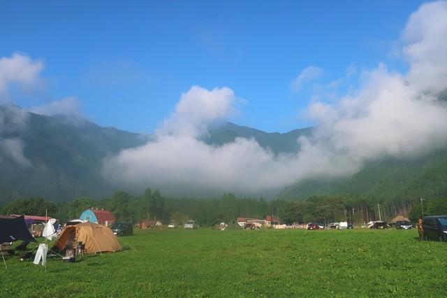 ふもとっぱらキャンプ場周辺の山々景色