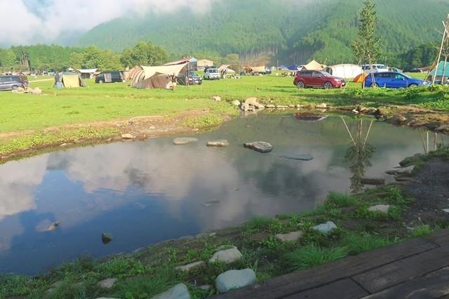 キャンプサイトの様子と混雑具合