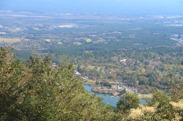 長者ヶ岳中腹からの田貫湖景色