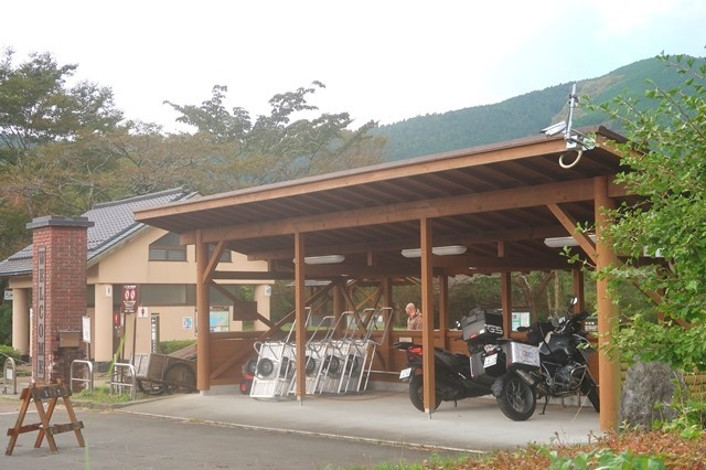 田貫湖キャンプ場のバイク用の駐車場