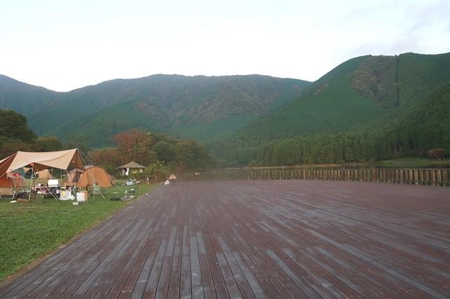 田貫湖キャンプ場のウッドテラス