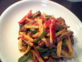 青椒牛肉絲。カルビ肉&豆板醤&花椒でこってり&ピリ辛風味。