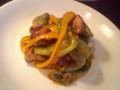 鶏もも肉とレタスの豆板醤炒め。味はピリ辛、食感シャキシャキ。
