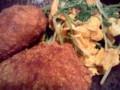 揚げ油の使い切りも兼ねたメンチカツと水菜のオイスター炒め。