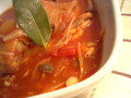 チキンのトマト煮。バジル、オレガノ、ローリエで。