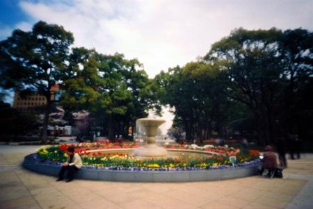 春色の噴水花壇