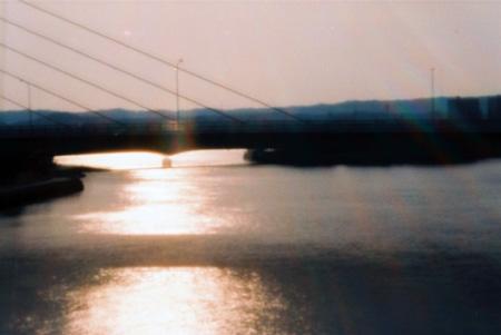柴航路橋の夕景
