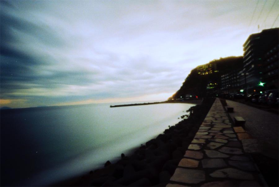 熱川の夕照
