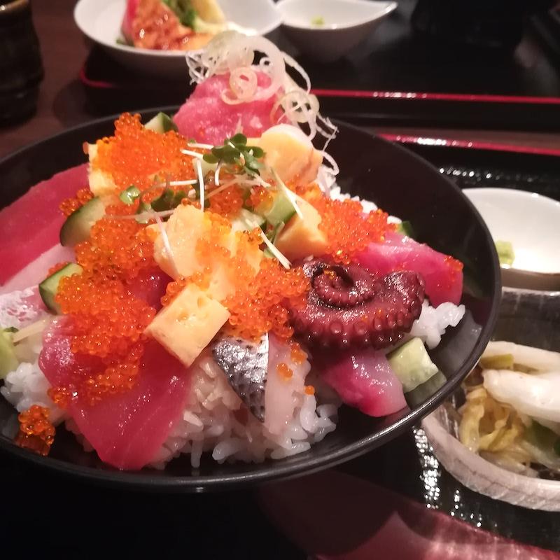 神田ランチ、海鮮丼