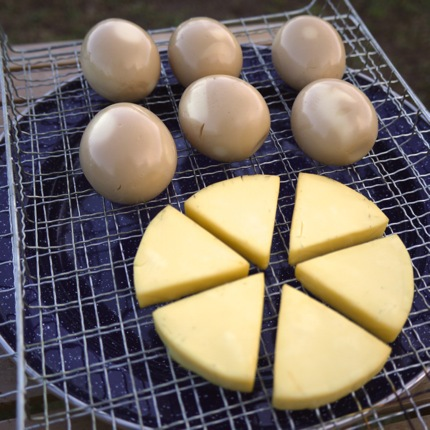 燻製チーズ、薫製玉子