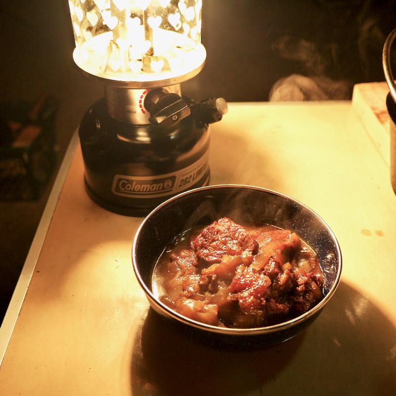 キャンプでの牛スネ肉赤ワイン煮レシピ