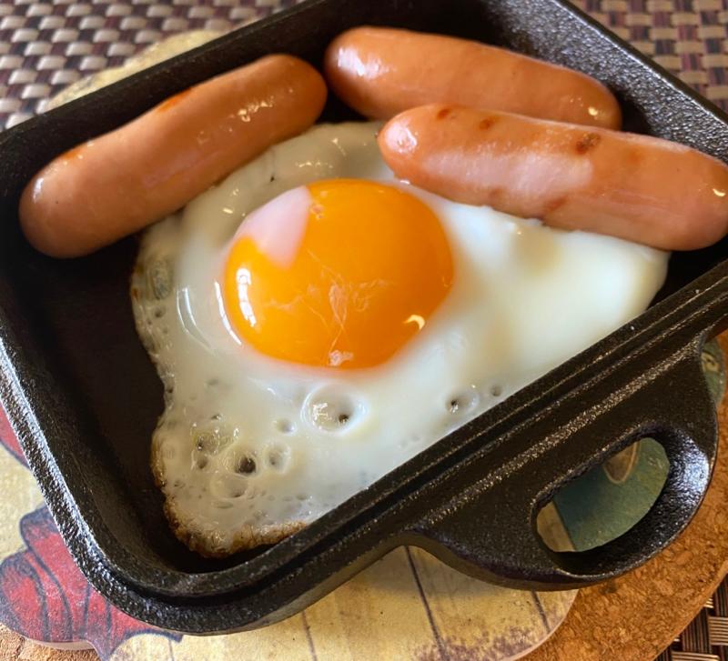 クラムシェルミニダッチ で目玉焼き
