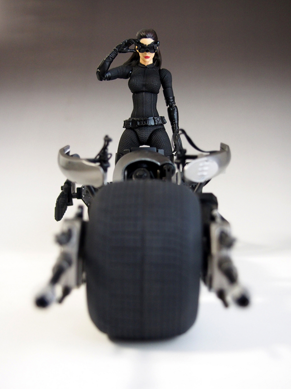 マフェックス MAFEX バットマン SELINA KYLE セリーナ・カイル キャットウーマン BATPOD