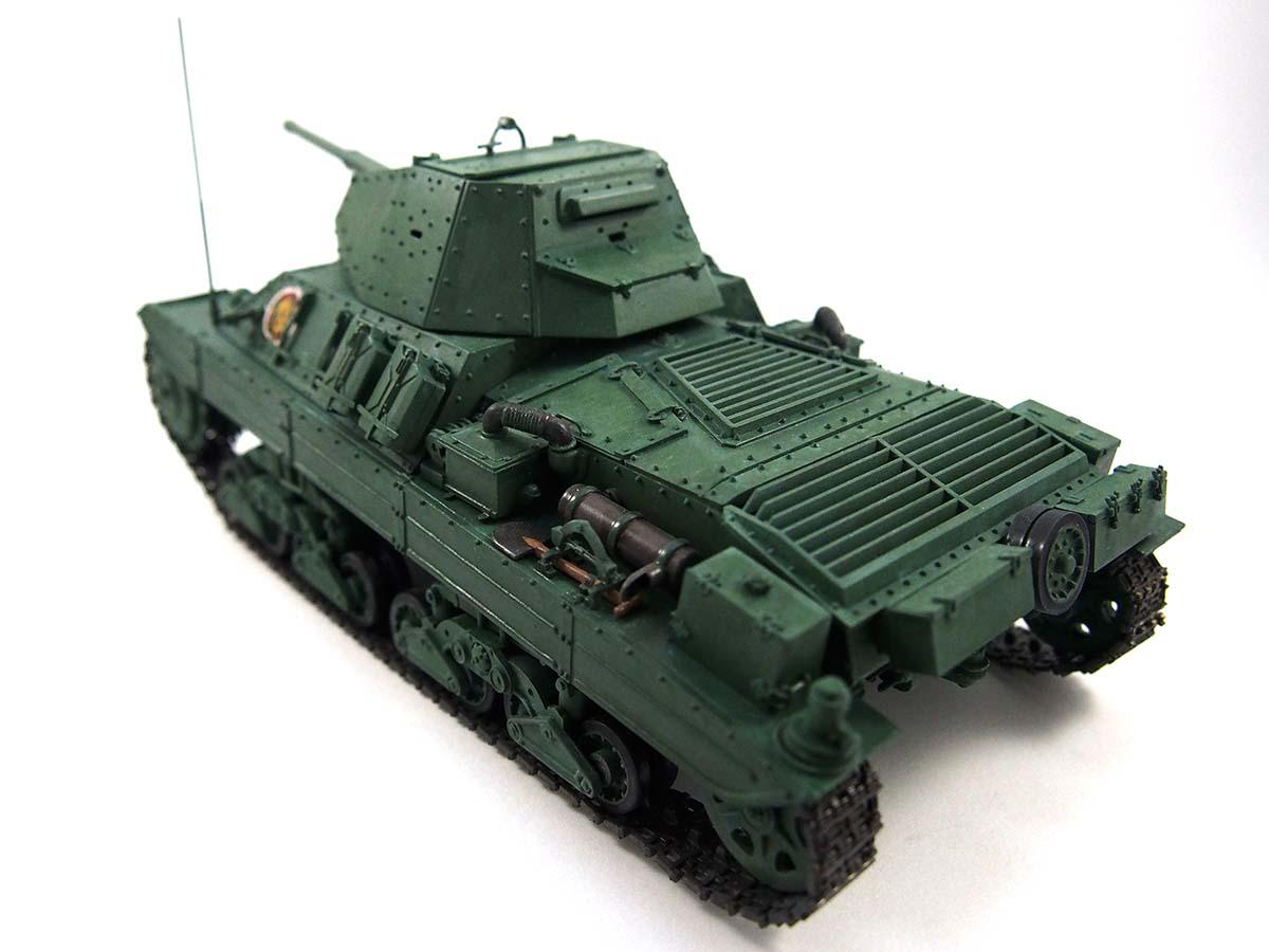 P40型重戦車/アンツィオ高校 塗装済み完成写真 斜め後ろ