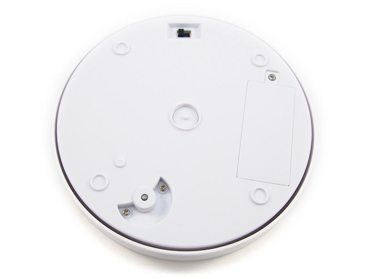 ターンテーブル ベーシックホワイト2は、回転のON/OFFを底面のスイッチで行う仕様