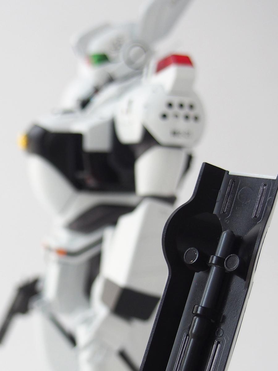 MG イングラム1号機シールドは、ネオジム磁石による接続に改修