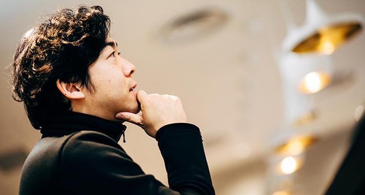 アフターデジタル時代の都市のあり方について語る藤井保文氏