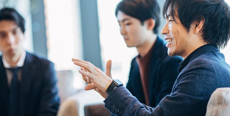 アプリ開発の経緯について語る岩瀬氏