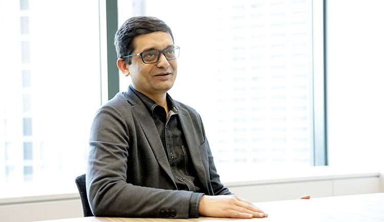 """Findability Sciences CEOのアナンド・マフルカル氏"""