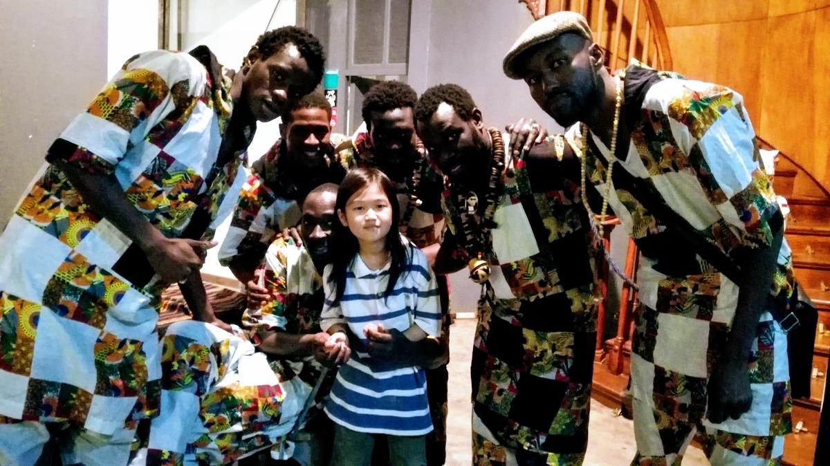 con los artistas de senegal