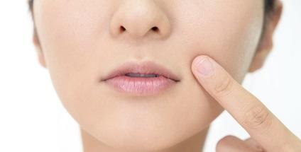 団子鼻を整形しないで鼻筋を通したい方には鼻アイプチがおすすめ