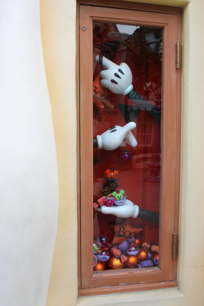 ギャグファクトリー/ファイブ・アンド・ダイムの窓