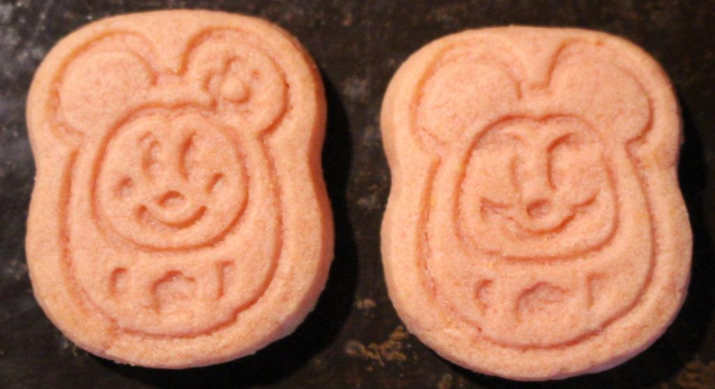 ハッピー・イヌ―・イヤー2018クッキー缶