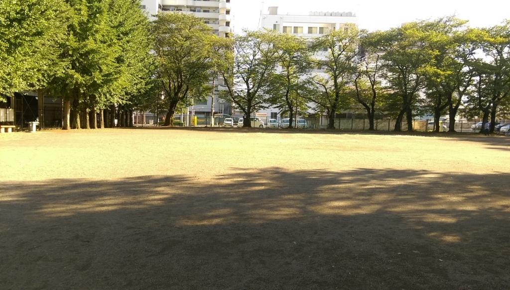 駅東公園-広場