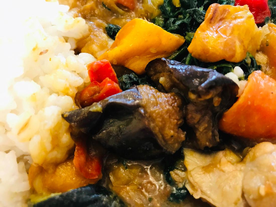 野菜を楽しむスープ食カレー揚げ茄子