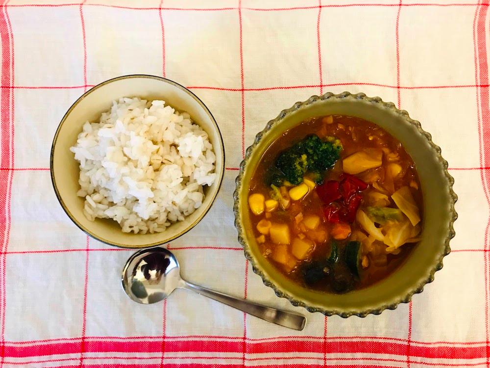 ベジ活スープ食ミネスト盛り付け