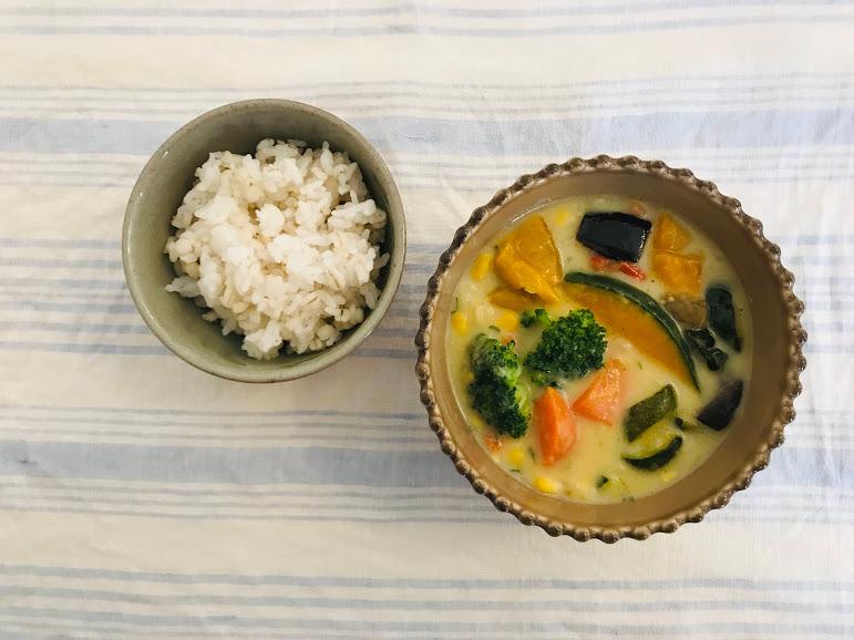 野菜を楽しむスープ食盛りつけた状態