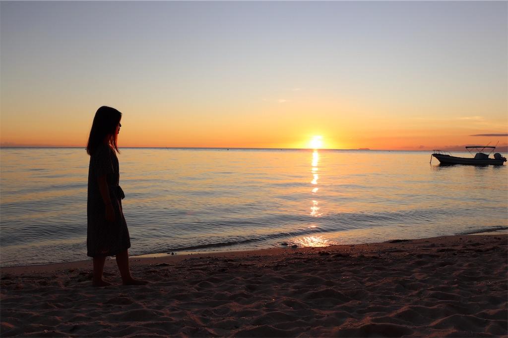 シキホール島No1のリゾートホテルのスイートから眺める絶景の海