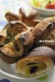 バーニャカウダ風味とさつま芋の米粉パン_120317n