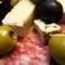 サラミとチーズそしてオリーブ_140104